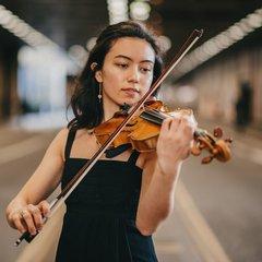 Gwyneth Nelmes Violinist in Cardiff