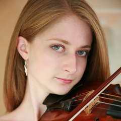 Lucy Richardson Violinist in Cardiff