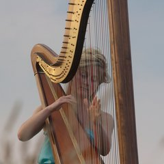 Alice French Harpist in Cardiff