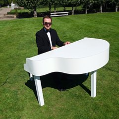 Cornel Oprea Pianist in the UK
