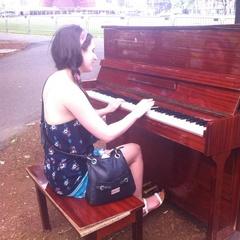 Rosalyn Tudhope Pianist in Glasgow