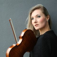Rasa Mary Violinist in the UK