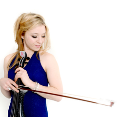 Amy Fields Violinist in the UK