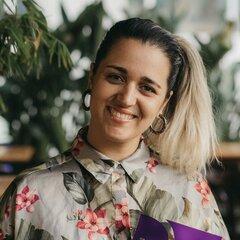 Inês Loubet Singer in the UK