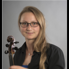 Karolina Chojnacka Viola Player in Glasgow