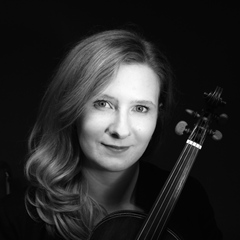 Jennifer Piggott Violinist in Liverpool