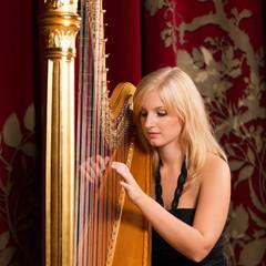 Ewelina Brzozowska Harpist in Glasgow