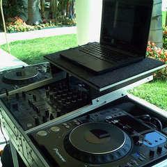 EQ Entertainment DJ in the UK