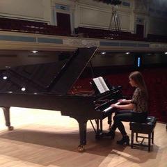 Caitlin Morgan Pianist in Edinburgh