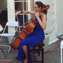 Naomi Rose Cellist in Cambridge