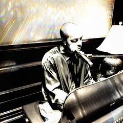 Johnnie aka friDAY Pianist in the UK