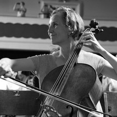 Mary Walton Cellist in Oxford
