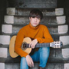 Julian Liu Guitarist in Birmingham