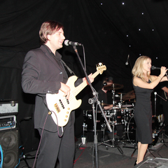 Party Siempre Wedding Band in the UK