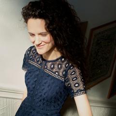 Charlotte Schoeters Singer in the UK