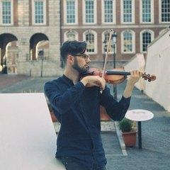 Naoise Dack Viola Player in Dublin