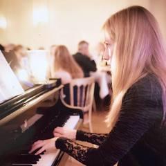 Mercè Molas Pianist in Southampton