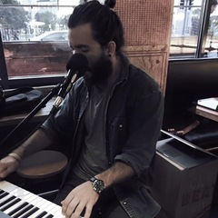Alex Weybury Keyboard Player in London