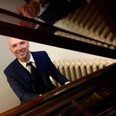 David Smith Pianist in Newcastle