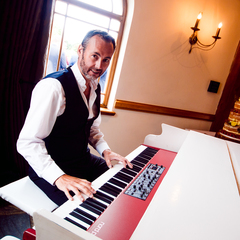 Ed Alexander Pianist in Manchester