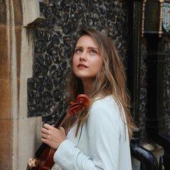 Leona Gogolicynova Violinist in London
