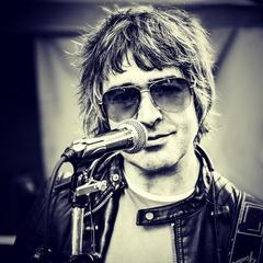 Stephen Emson Singer in the UK