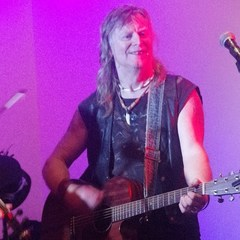 Steve Ruffe Singer in Plymouth