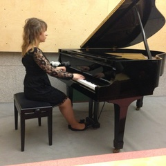 Maria Lopes Pianist in Cardiff