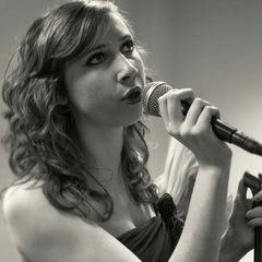 Lauren McAuley Singer in Liverpool