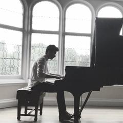 Ryan Hanlon Pianist in Edinburgh