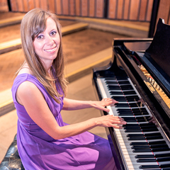 Rebecca Sherratt Pianist in the UK