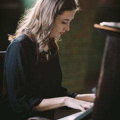 Emily Owen Pianist in the UK