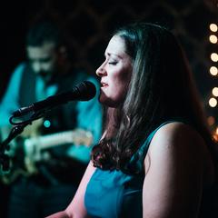 Heidi Burson Singer in the UK