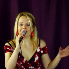 Laura Voice Trio Jazz Band in London