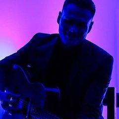 Diego Raspati Guitarist in London