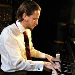 Pete Byrne Keyboard Player in London