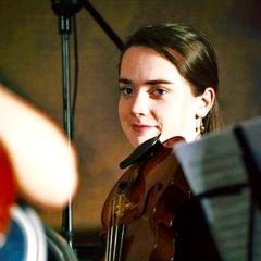 Eleanor Gaffney Viola Player in Dublin