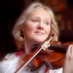 Sarah Jackson Violinist in the UK