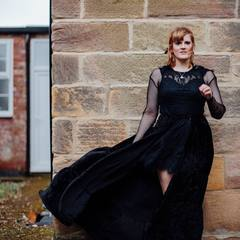 Jess Distill Singer in Hertfordshire
