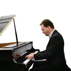 Andrew Edmond Pianist in Glasgow