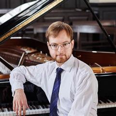 Maksim Štšura Pianist in London