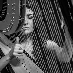 Alina Lazorkina Harpist in the UK