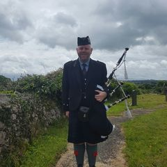 Andy The Piper Bagpiper in Liverpool