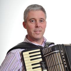 Ian Robertson Accordionist in London