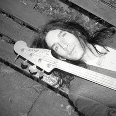 Nim Sadot Guitarist in London