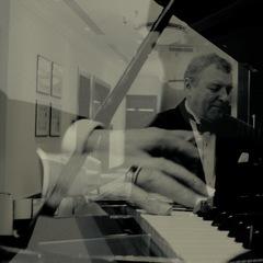 Roger Filkins Pianist in Birmingham