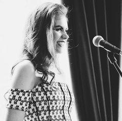 Mimi Lane Singer in Dublin