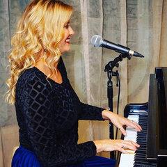 Gemma Thomas Pianist in Bristol