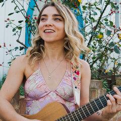 Georgia Thursting Singer in the UK
