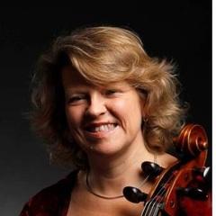 Miriam Roycroft Cellist in York